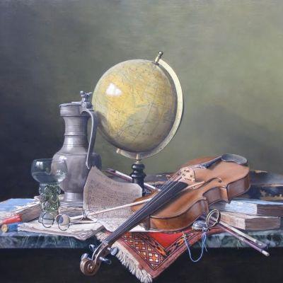 <strong>Stilleven met globe en viool (The Hunt) Afm.70x90cm.</strong>